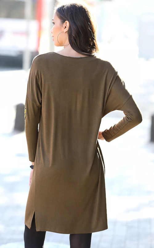 khaki šaty s dlouhým netopýřím rukávem