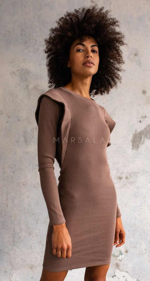 moderní šaty do společnosti