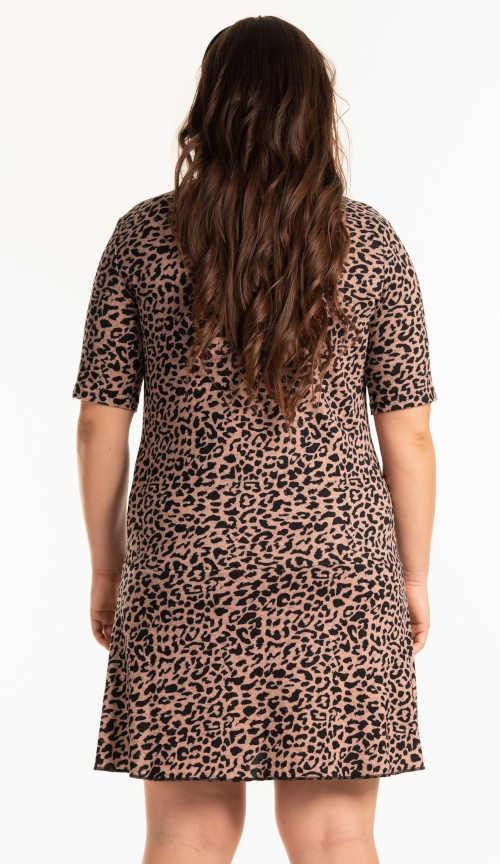 šaty v délce nad kolena s krátkým rukávem