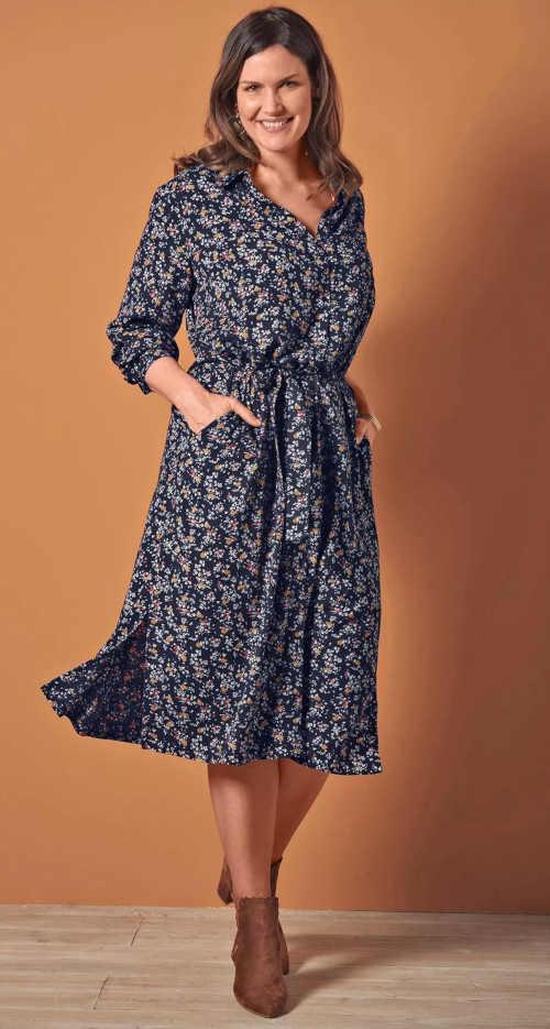 Dámské košilové šaty v midi délce v moderním potisku