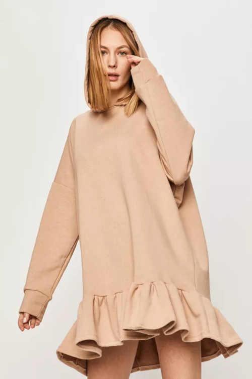 Oversize šaty s kapucí a volánovým lemem v béžové barvě