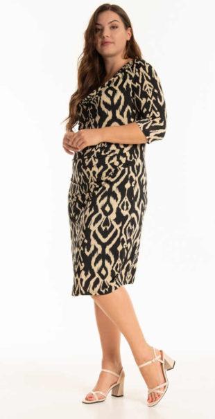 Šaty s potiskem s komfortními 3-4 rukávy plus size