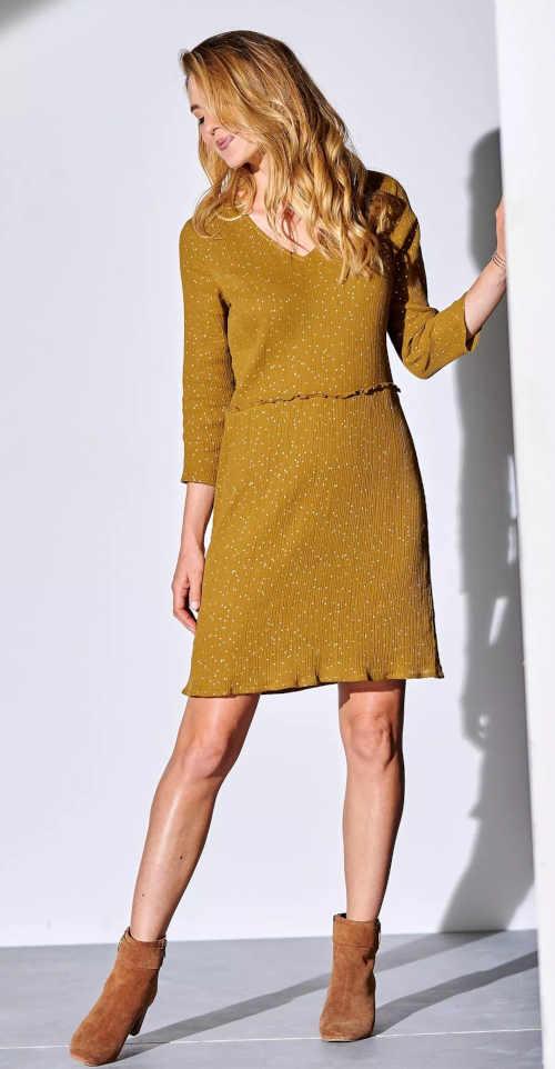 jednobarevné moderní šaty se 3-4 rukávy