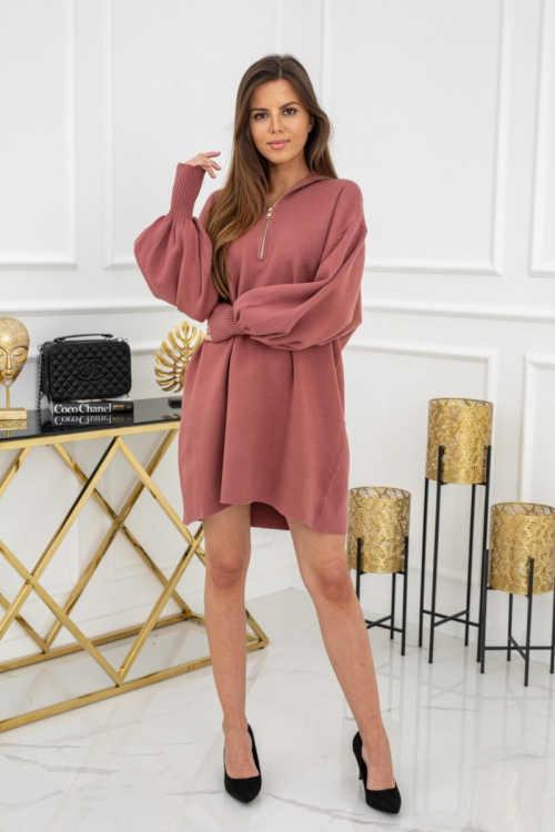 šaty v tmavě růžovém provedení
