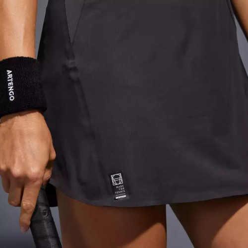 sportovní šaty bez rukávů na tenis