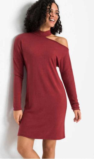Úpletové šaty v červeném provedení s efektivním průstřihem na rameni