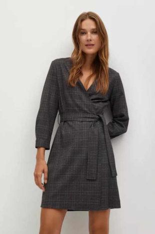 Zavinovací šaty s páskem v moderním károvaném vzoru