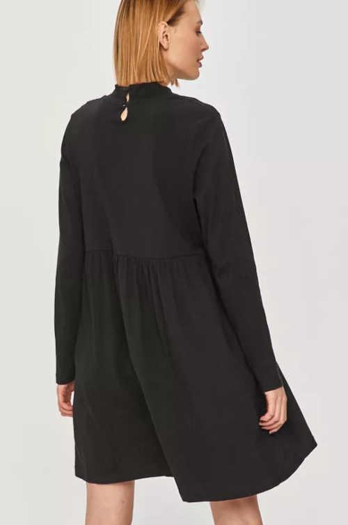 černé šaty moderní dlouhý rukáv