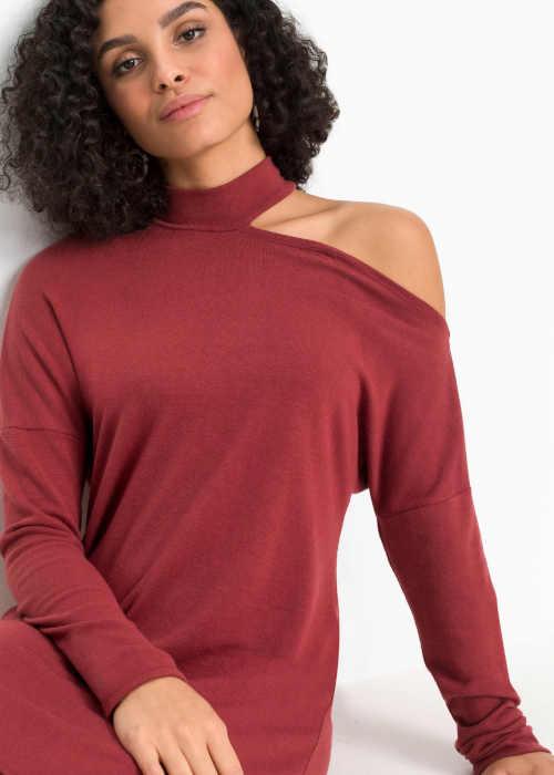 moderní šaty s průstřihem na rameni