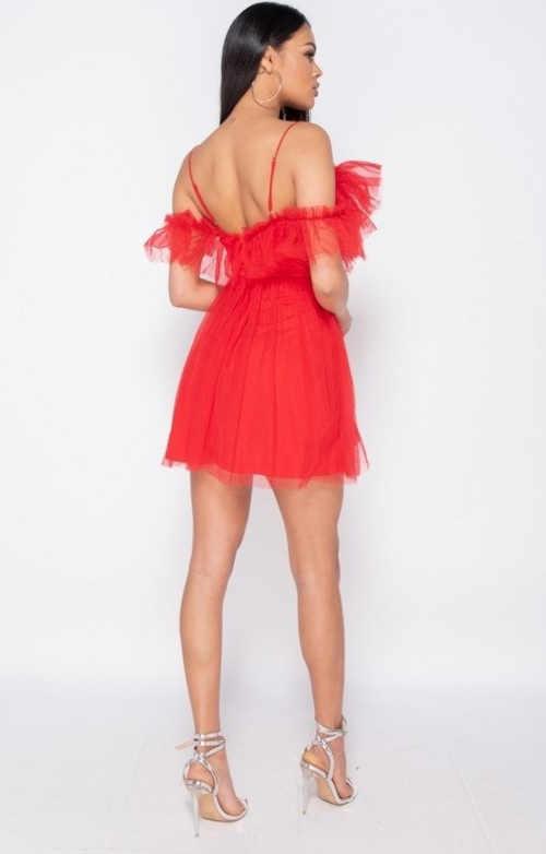 moderní sexy šaty v červeném provedení