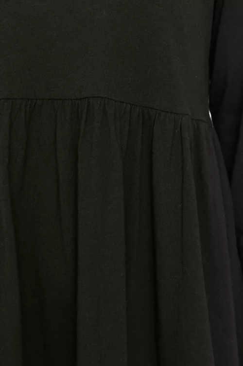 šaty volného střihu s přestřižením
