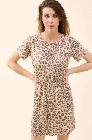 Šaty v moderním zvířecím vzoru z příjemné a vzdušné látky