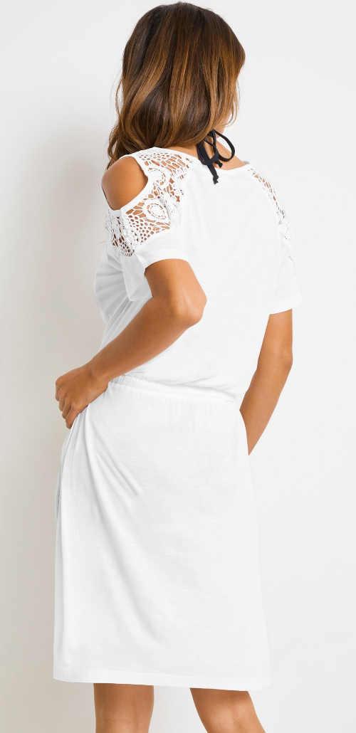 bílé letní šaty s průstřihy na rukávech