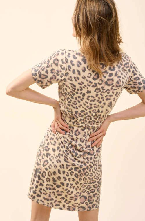 dámské krátké šaty se zvířecím potiskem