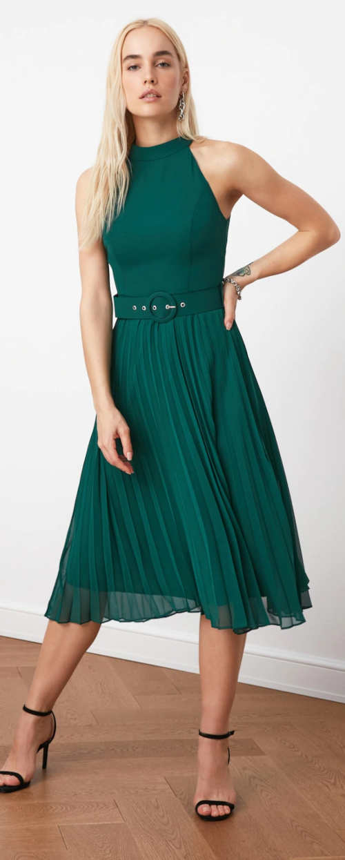 Elegantní zelené dámské šaty bez rukávů s plisovanou sukní