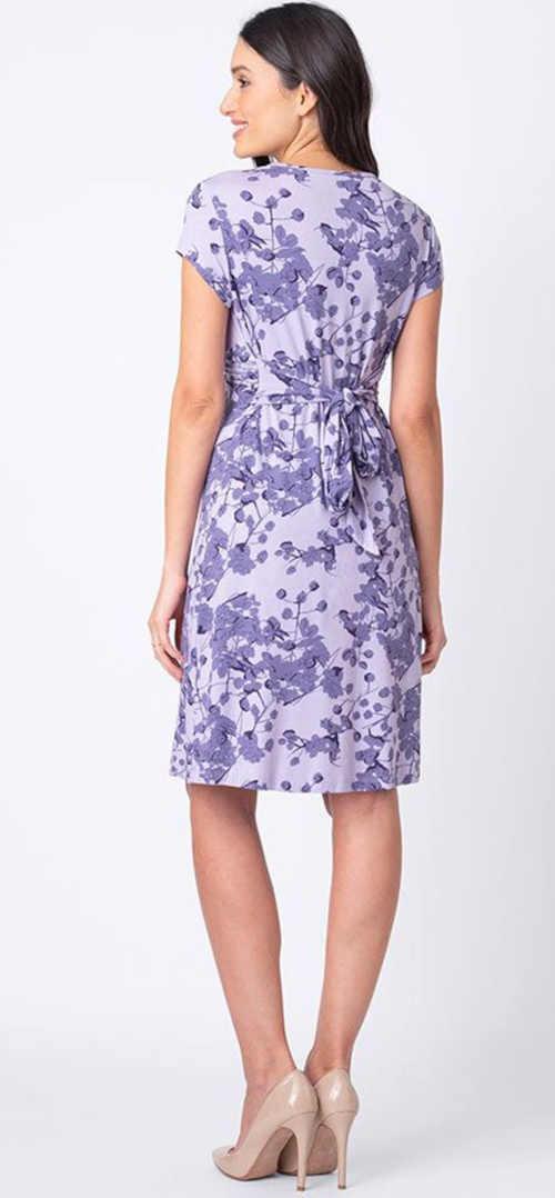 fialové květované šaty pro těhotné