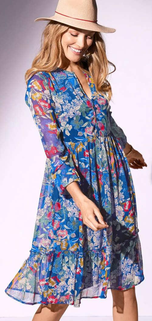 Modré květované letní šaty s dlouhým rukávem z lehkého voálu