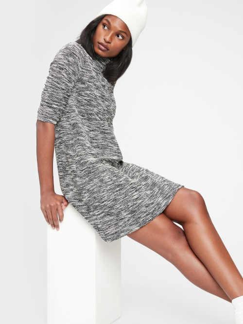 šaty GAP s dlouhým rukávem vzadu na zip