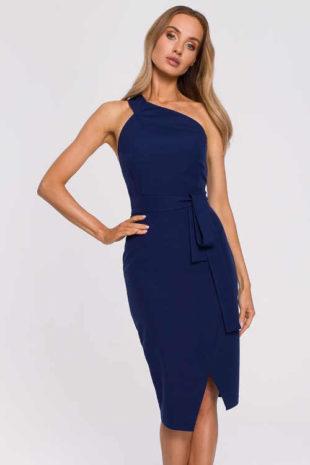 Moderní dámské šaty v midi délce na jedno rameno