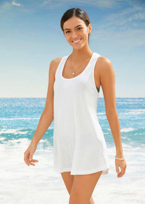 plážový top v bílém provedení