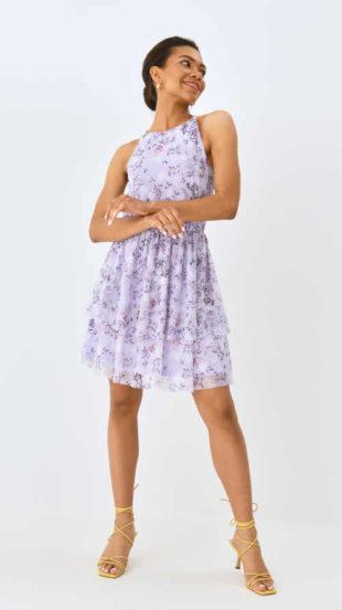 Moderní šaty v levandulové barvě s květinovým vzorem