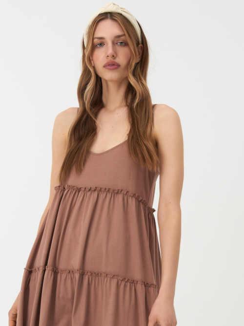 béžové maxi šaty na úzká ramínka