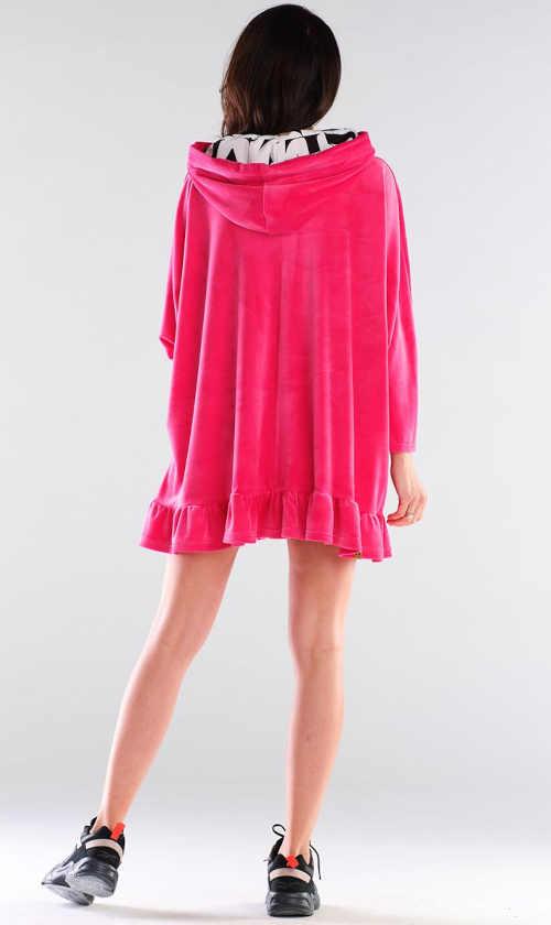 růžové šaty s dlouhým rukávem