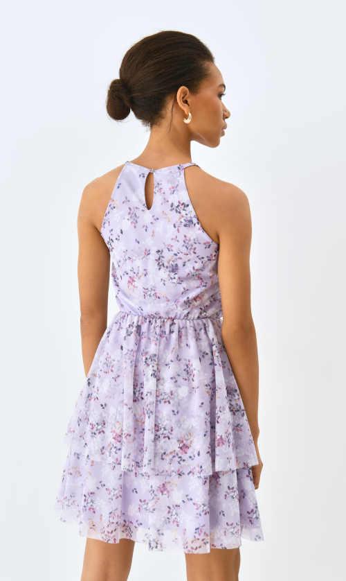 šaty s prostřižením pod pasem