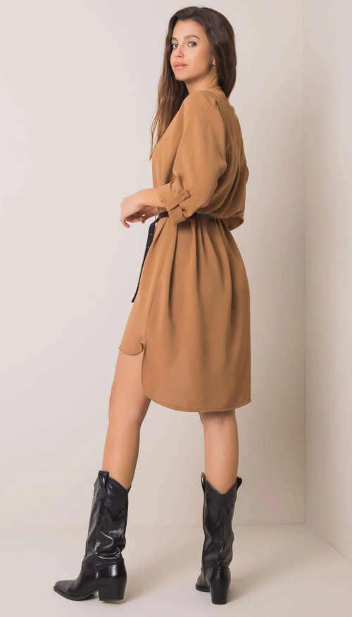 šaty s výstřihem do V