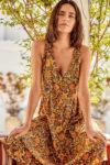 Luxusní plážové šaty v pohodlném střihu a v moderním vzoru