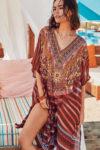 Plážové šaty v komfortním střihu a geometrickém vzoru