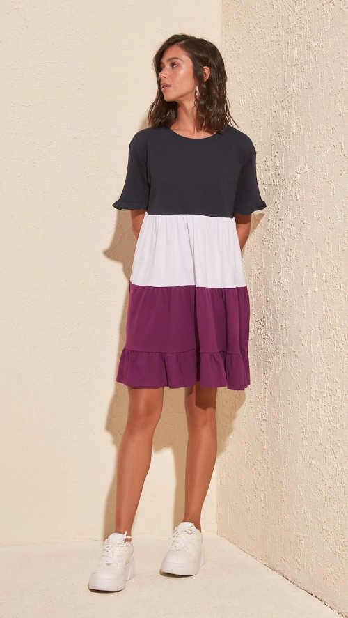 pruhované šaty s krátkým rukávem