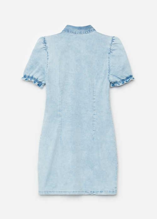 riflové šaty s krátkým rukávem