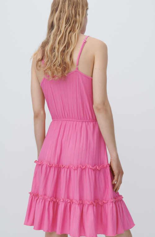 šaty růžové s volánky