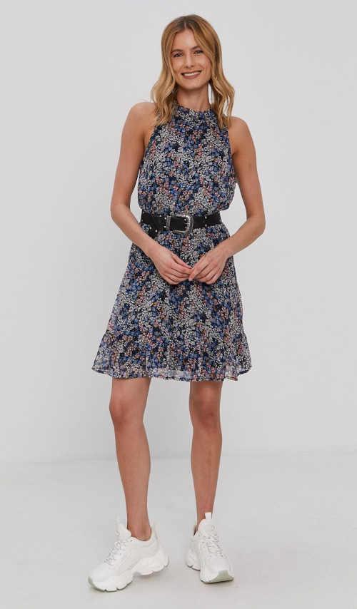 květované šaty nad kolena