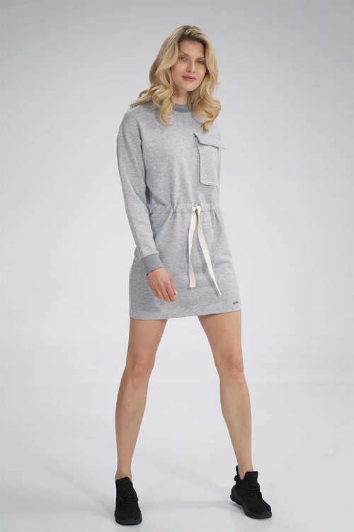 šedé šaty s dlouhým rukávem