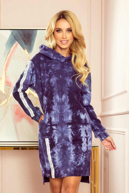 Krátké šaty v batikovaném vzhledu s dlouhým rukávem a kapucí