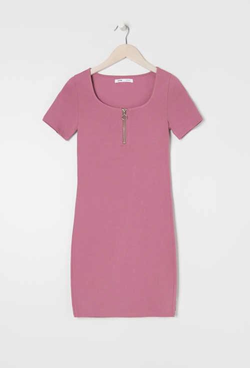 Šaty s ozdobným zipem v krátké sexy délce v lichotícím střihu