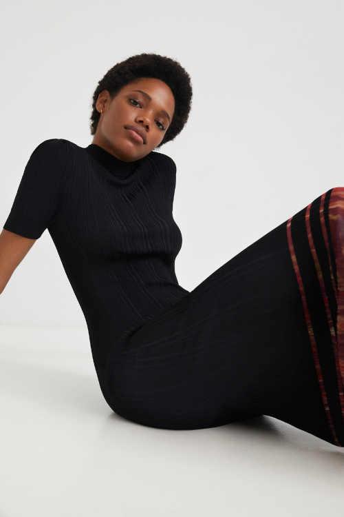 černé úplé šaty Desigual