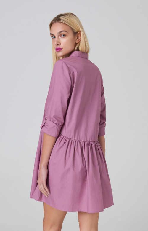 šaty s řasením a dlouhým rukávem