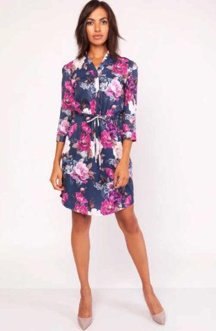 Luxusní dámské šaty nad kolena v květovaném vzoru