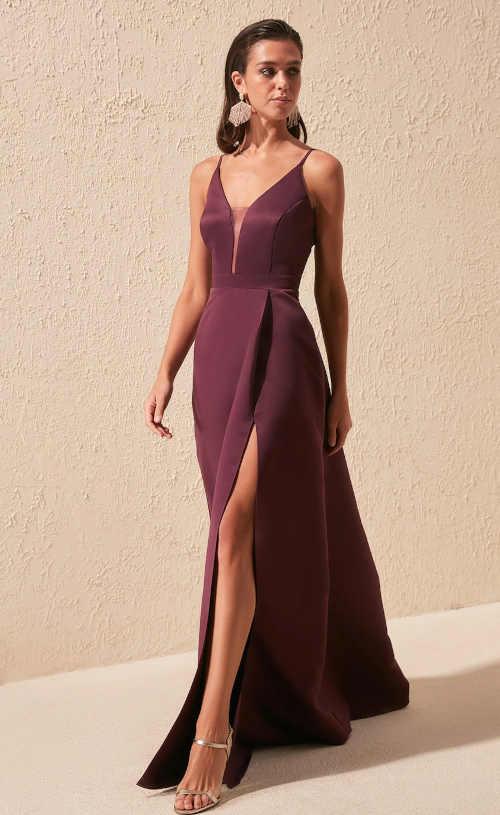 Luxusní vínové dlouhé společenské šaty s rozparkem