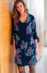Rozšířené šaty v komfortním střihu s moderním potiskem