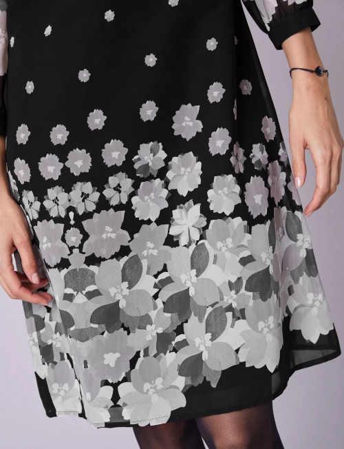 dámské šaty s potiskem