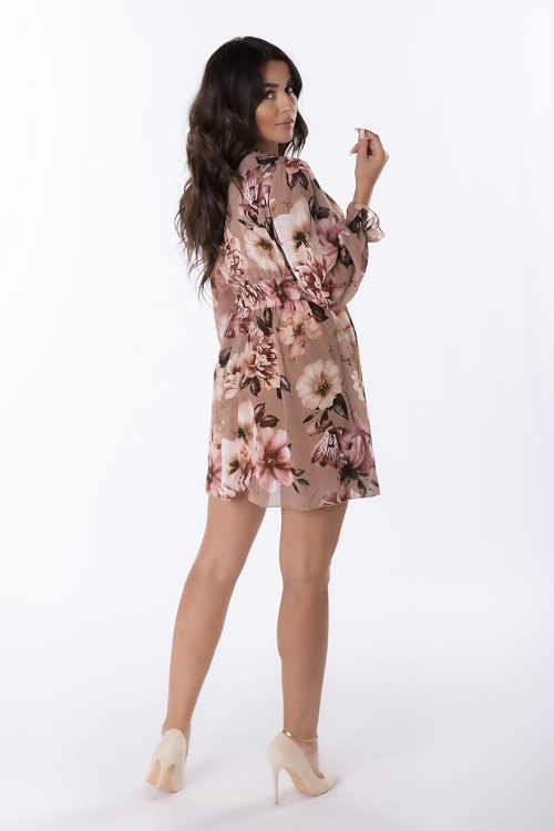 květované šaty s dlouhým rukávem