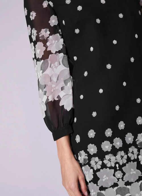 moderní dámské šaty s dlouhým rukávem