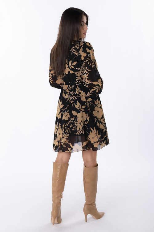 moderní šaty s dlouhým rukávem