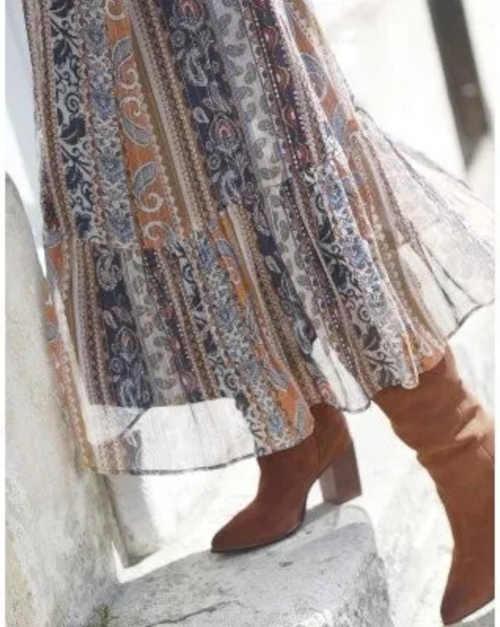 moderní šaty s volánem