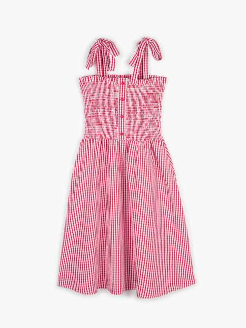 moderní šaty v mini délce