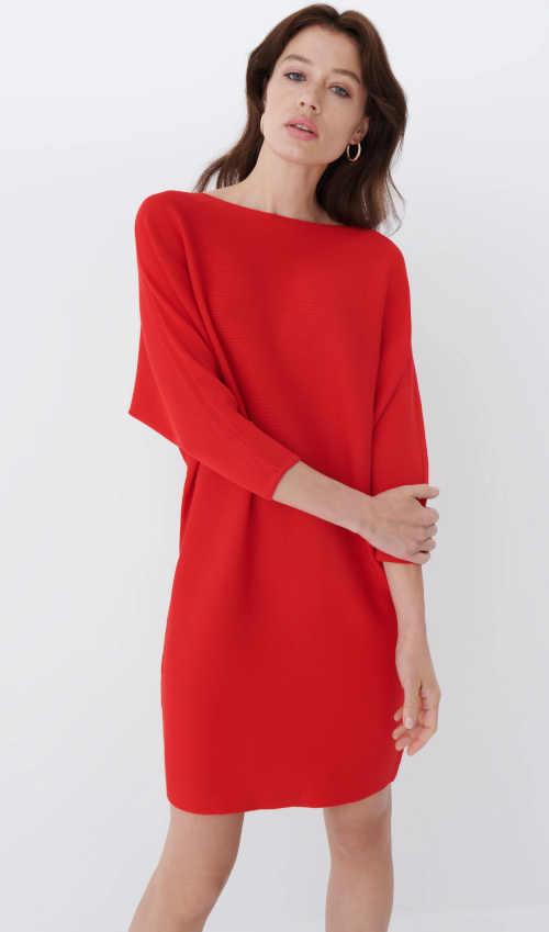 pleteninové šaty v moderním střihu